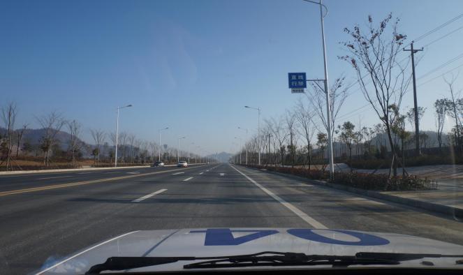 武汉驾考科目三直线行驶的技巧